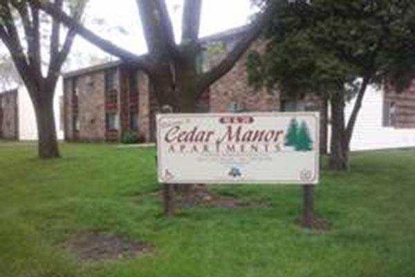 Cedar Manor Apartments - Springfield, MN.